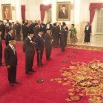 Resmi, Jokowi Lantik 17 Duta Besar