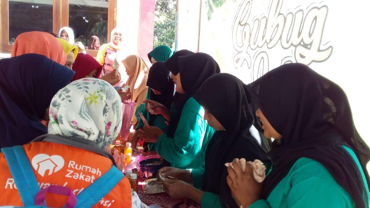 Launching Bummas As Salam Desa Bandar Pacitan Diwarnai Bazar Media Jatim