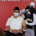 Gus Syafiq, Tokoh Pemuda Pertama yang Divaksin di Jawa Timur