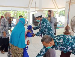 FKUB Pamekasan Salurkan Bantuan Sembako dan Jamban