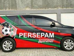 Antusias Sambut Kembalinya Persepam, Sejumlah Mobil Dibranding 'Persepam Reborn'